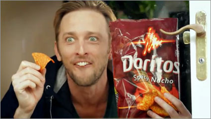 Doritos-pug-attack