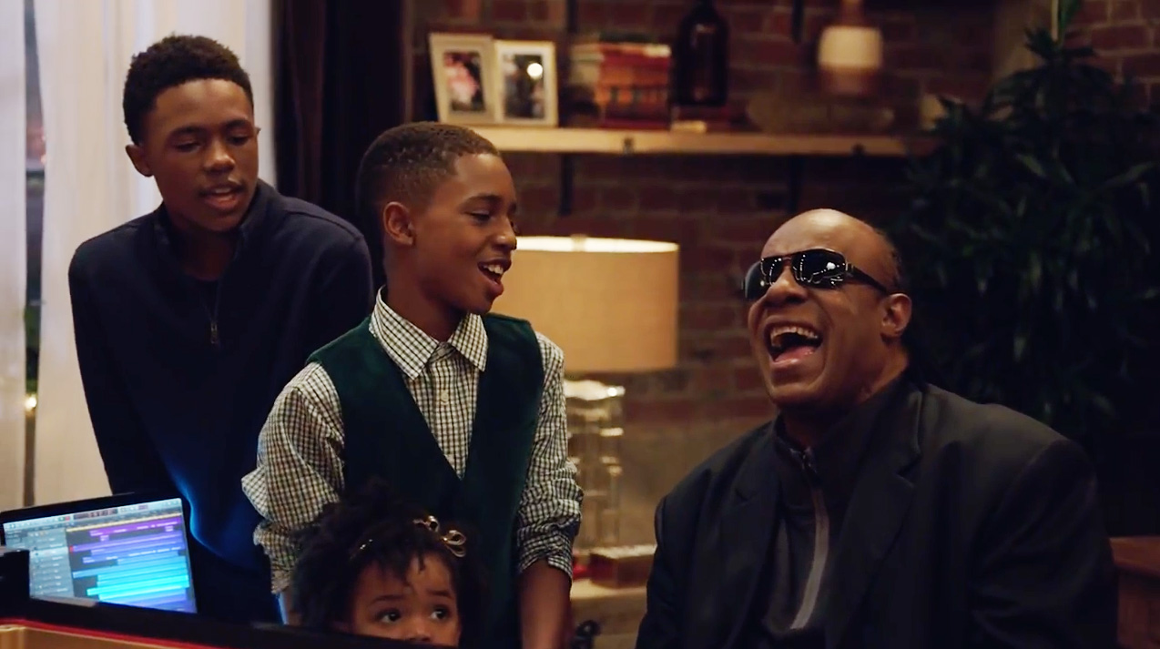 Apple Gives You the Gift of Stevie Wonder and Andra Day This ...