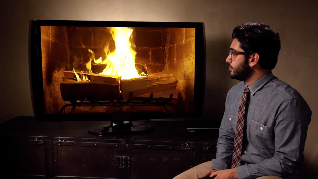 Streaming Yule Log on Netflix Has Its Own Hilarious Trailer and ...