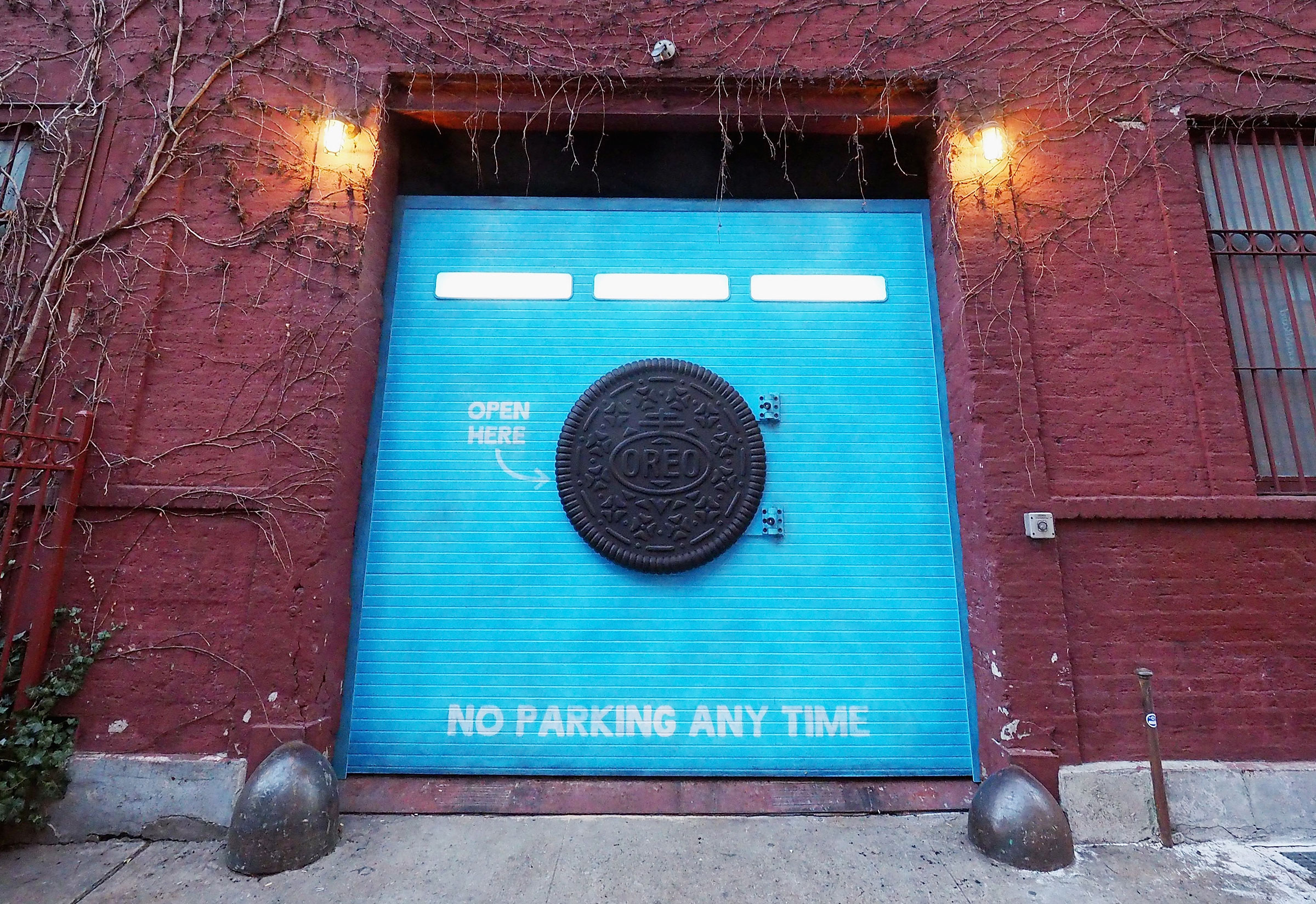 Calendar Mysteries May Magic : Here s what behind the mysterious oreo door that popped