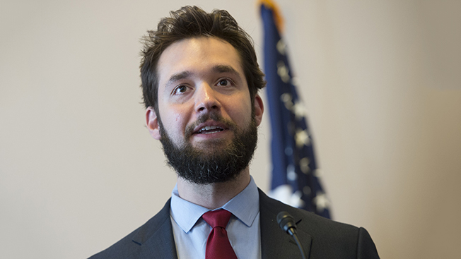 Alexis Ohanian surprisingly returns to the company he helped found.
