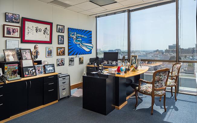 step inside 92-year-old marvel comic book legend stan lee's office