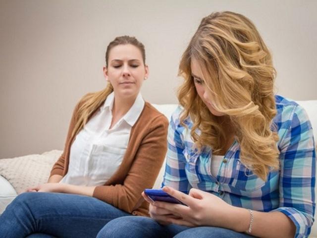 close social flirting apps enjoy what