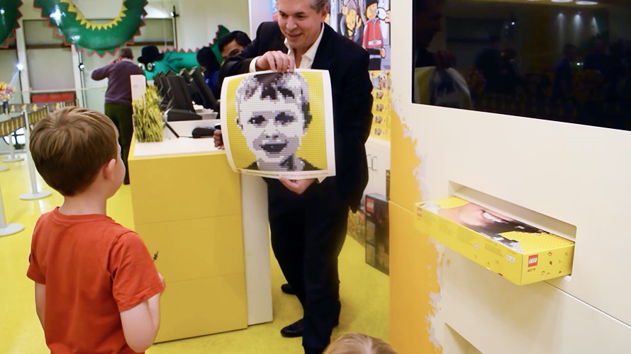 This Lego Booth Scans Your Face and Makes a Custom Kit So You Can Build Yourself Out of Legos
