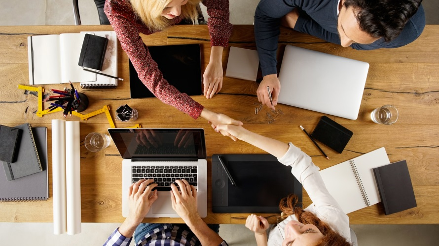 3 Ways to Create Meaningful Relationships Using Social Media