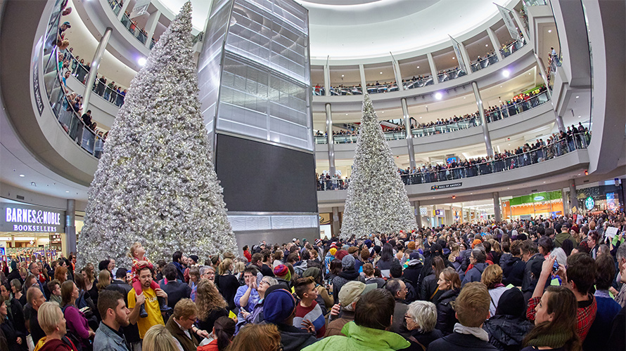 The Mall of America's New Chatbot Aims to Make Your Holiday Shopping Easy