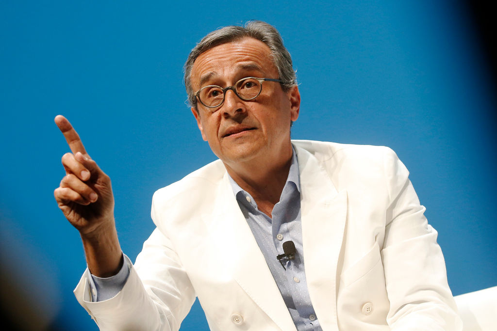 Facebook Hires HP's Antonio Lucio as Its New Global Chief