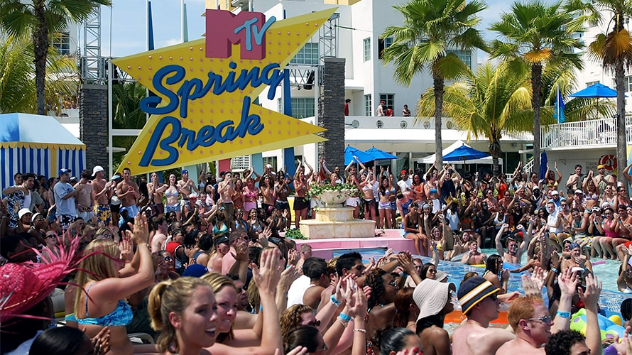 Grand Oasis Cancun Spring Break 2020.Party In Cancun Mtv Revives Spring Break As Multiplatform