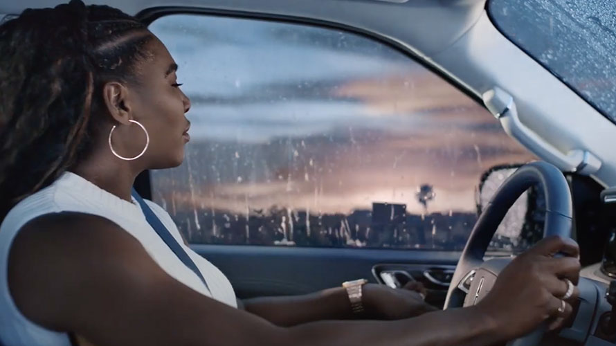 Serena Williams Makes Herself Comfortable in Lincoln's Grammy's Spot – Adweek