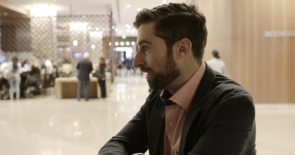 Quiz Master Scott Rogowsky Ran the First Live HQ Show at SXSW With 300 Attendees