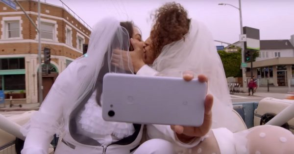 Google Pixel's Pride Ad Promotes Phone's Kiss-Detection Feature