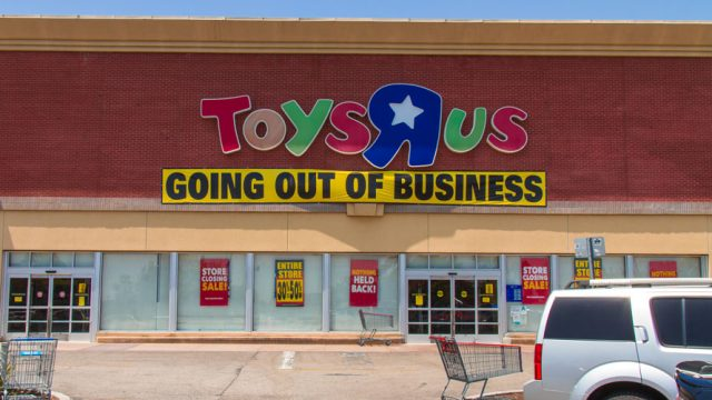 Toys R Us Could Fill a Retail Void, but Only After