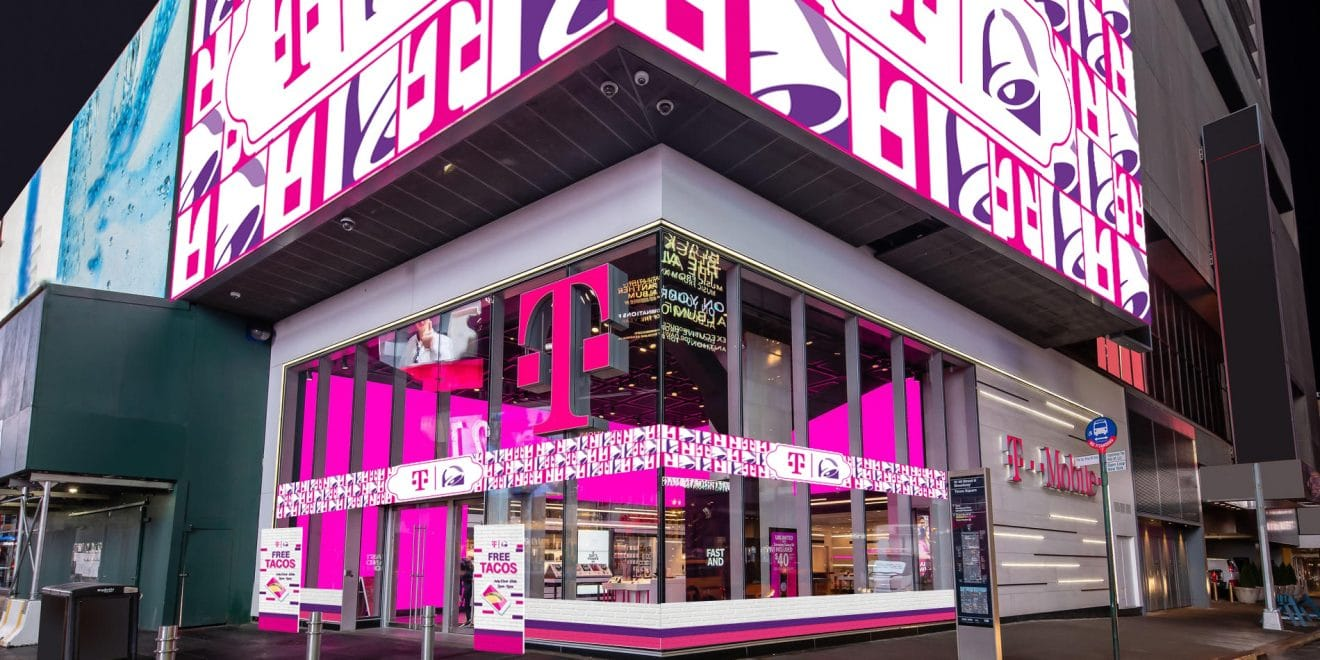 A T-MoBell pop-up store in New York's Times Square