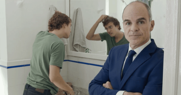This House of Cards Star's Deadpan Delivery Makes Him the Perfect (Bald) Spokesperson for Supercuts