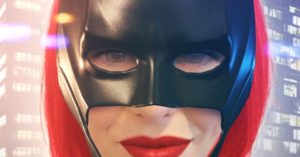 The CW Teams Up With Snapchat on 4 Lenses to Support Batwoman