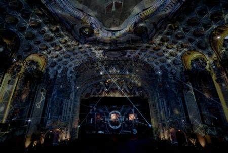 Un casque de réalité virtuelle soutenu par une campagne: Oculus Quest s'empare d'un véritable théâtre – Newstrotteur OculusCinespiaLAEchoArena 450x302