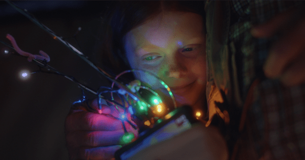 Afraid Santa Won't Find Her, a Young Australian Girl Gets a Heartwarming Assist