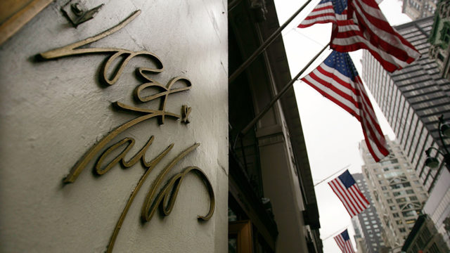 the lord & Taylor logo on its fifth avenue flagship