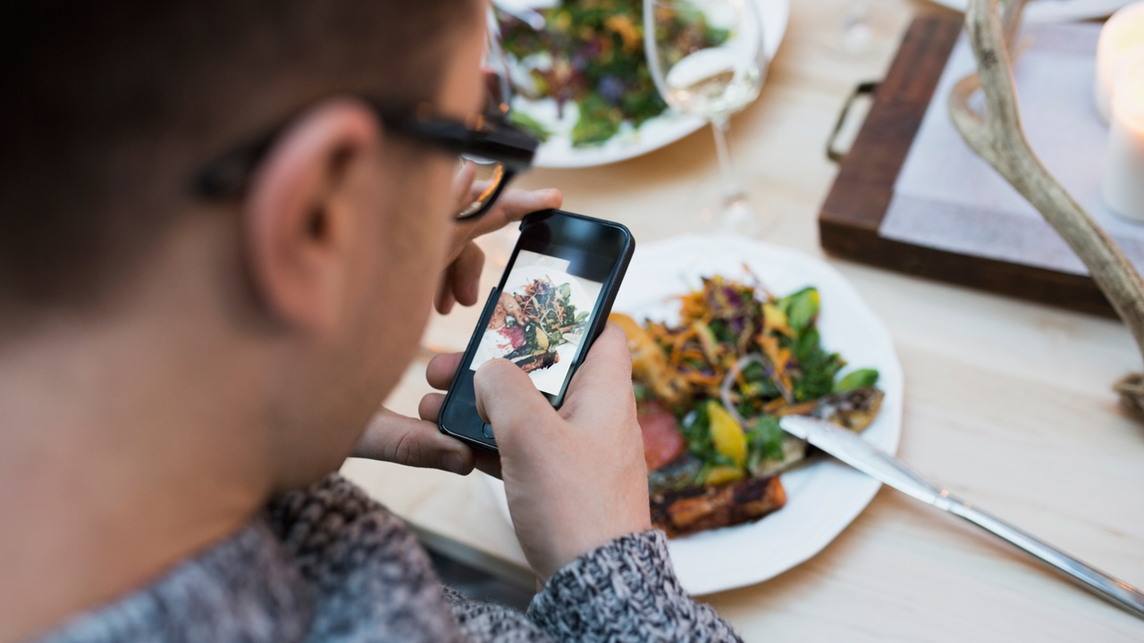 Facebook Beats Pinterest as Foodies' Go-to Social Platform