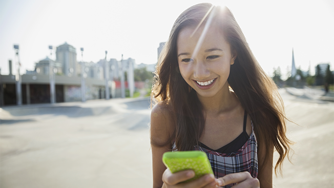 Infographic: Here's How Gen Z Girls Prefer to Shop and Socialize Online