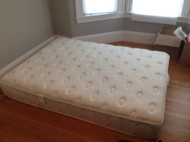 Cheated-On Man Posts Craigslist Ad Offering Great Deal on His \'Bed ...
