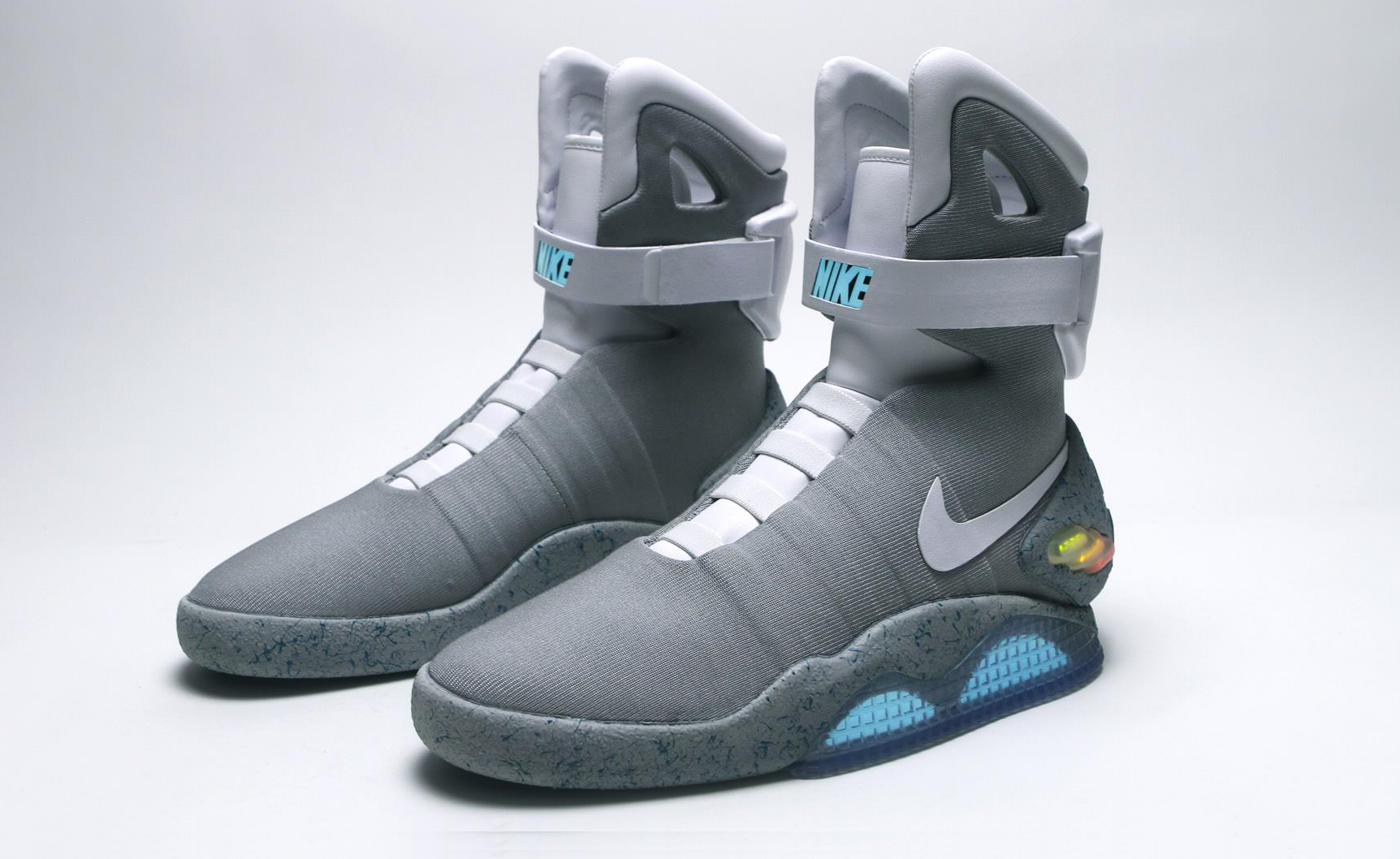 f15ac621ef8351 ... Nike MAGs From Back to the Future II. With power laces!