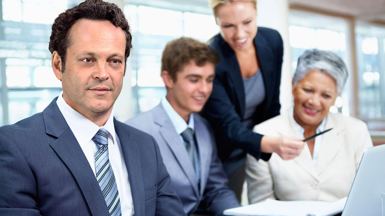 vince vaughn and co stars pose for idiotic stock photos you can have