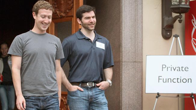 Facebook CEO Mark Zuckerberg chats with LinkedIn CEO Jeff Weiner, at the Allen &